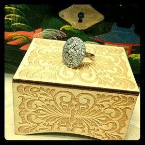 14k White Gold Filigree Diamond Ring